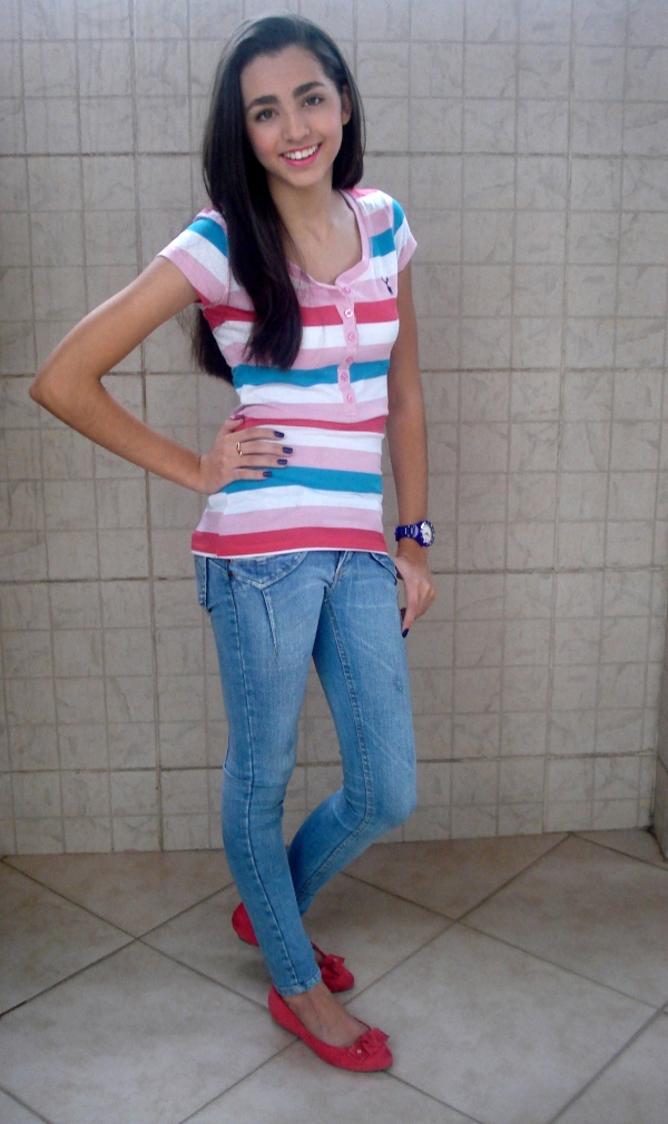 look-do-dia-a-dia-rosa-azul-adolescente-teen-divertido