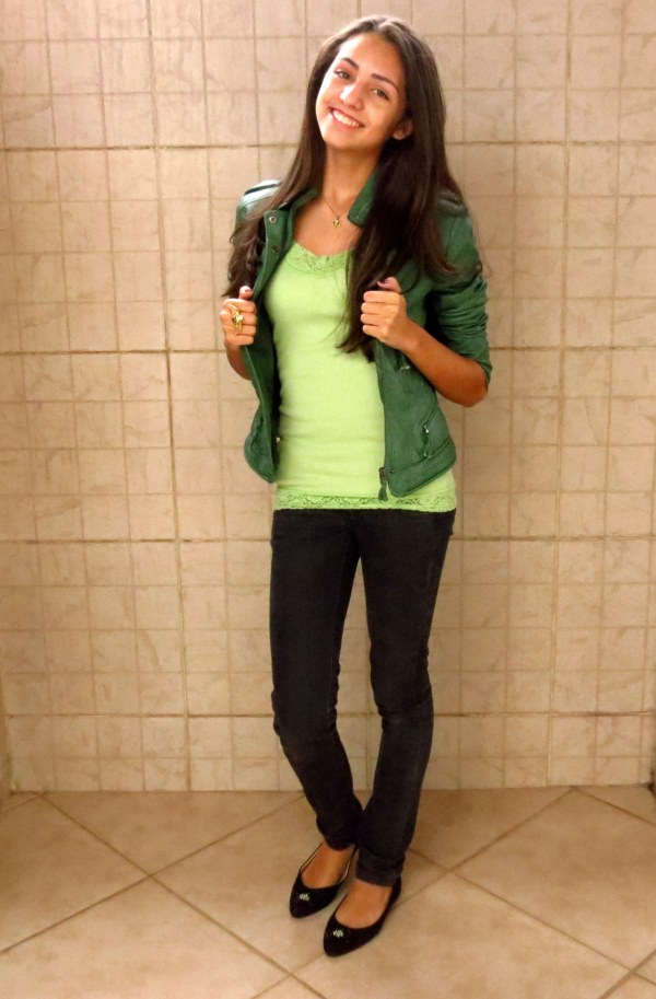look jaqueta de couro colorida verde com verde como usar black renda
