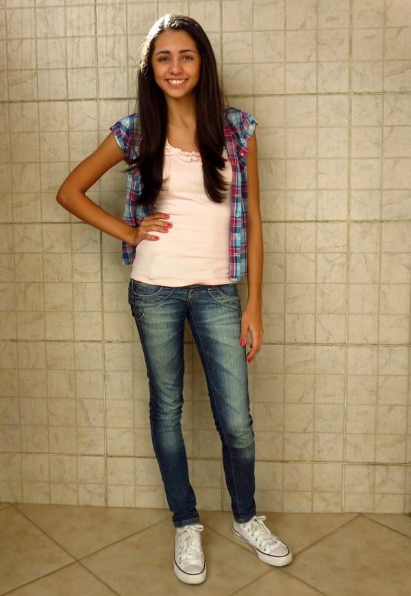 camisa azul rosa pink prefixo manga curta chic estilo girl all star jovem adolecente menina look do dia roupas jovens