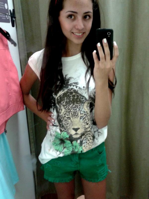 looks achados na loja renner shopping roupas verão shortss vestidos macacão fashion camisetas print animal print folhas jeans colorido shorts coloridos verdes verde esmeralda