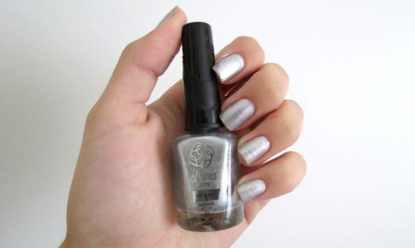 esmalte da semana unha da vez prata cinza metal metalico metalizado trend tendência caminhada ao luar marca eliana