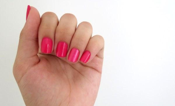 esmalte da semana do dia rosa pink venus forte aberto vermelhado vibrante feminino menina mulher delicado com filha única metalizada  rosa trend como fica é bom já usei resenha