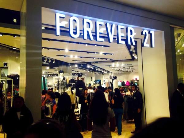 forever 21 são paulo fotos tudo sobre a nova loja de departamentos fashion topshop barata fashion roupas peças fotos preços sessões quando vai abrir em outros estados masculino venda online o que tem de novo novidade peças achados como é a loja por dentro shopping morumbi